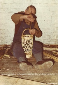 mandenmaker rober vanhauteghem gilles de binche mandje (bewerkt)
