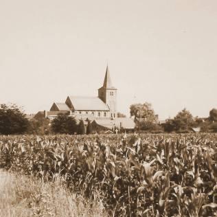 kerk zicht op de kerk (2)