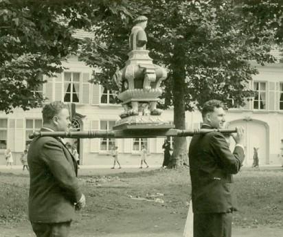 processie 1952-1953 Remi De Clercq vooraan en prudent dekens achteraan